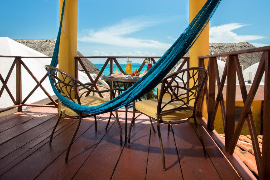 ocean view balcony in hotel la joya